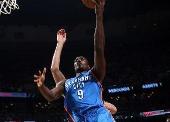 Combinada NBA 1º Indiana Pacers vs Oklahoma City Thunder, Serge Ibaka en la foto